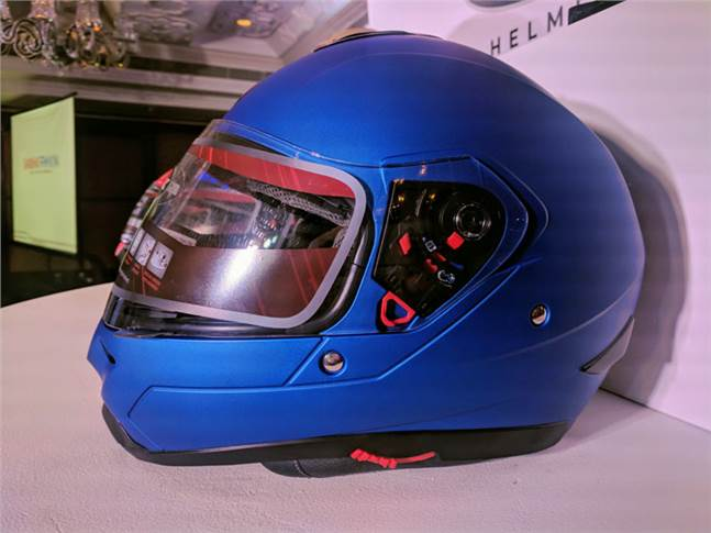 The Mavox FX  (solid) helmet is priced at Rs 2,400.