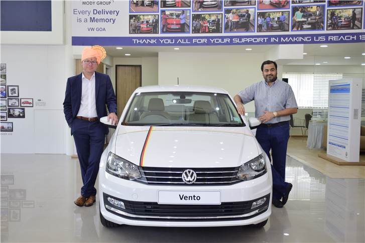 L-R: Steffen Knapp, MD, Volkswagen Passenger Cars India with Nihar Modi, MD, Mody Group at the newly inaugurated dealership in Goa.