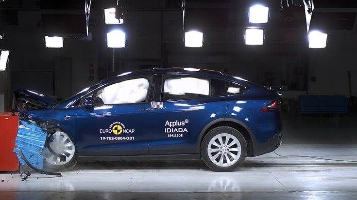 Tesla Model X bags5 stars, scores98% for adult occupant safety
