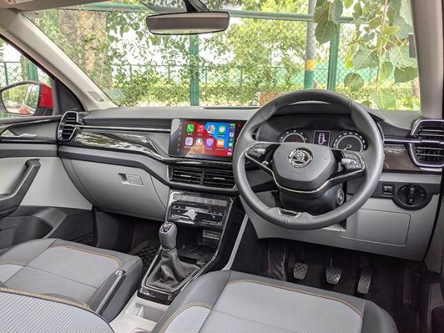 Cabin offers layered dashboard design with elements that look pleasing.