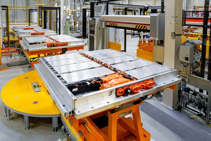 Highly automated: manufacturing of the battery systems for the ID.3 and ID.4 at Volkswagen Group Components Braunschweig.