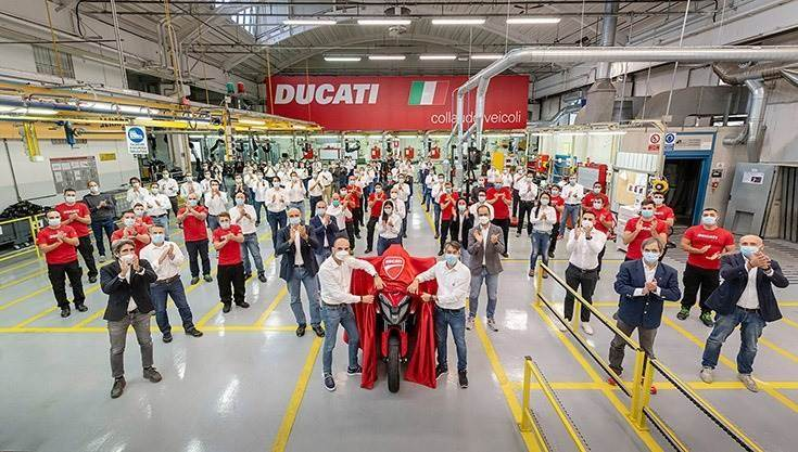 The Ducati Multistrada V4 development team with the first production-ready motorcycle equipped with front and rear radar technology.