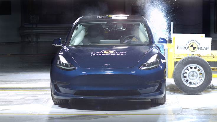 In the side barrier test, protection of all critical body areas was good and the Tesla 3 scored maximum points.