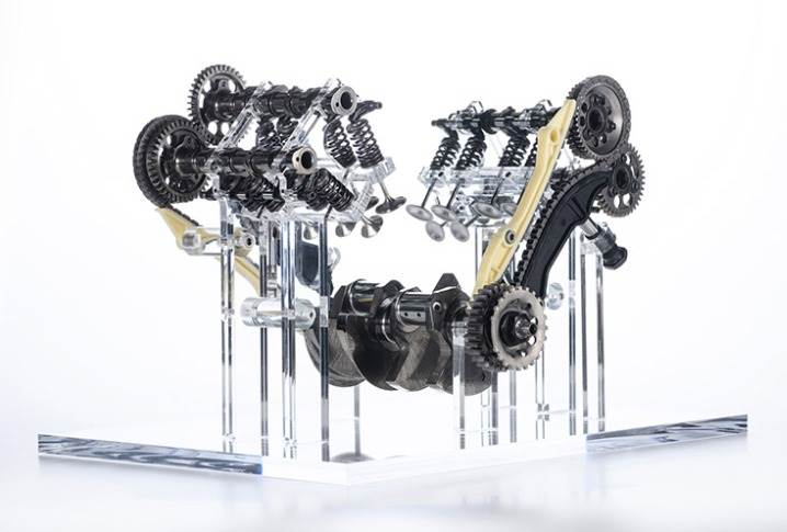 Compared to the previous generation engine, the V4 Granturismo is 85mm shorter, 95mm lower and only 20mm wider.