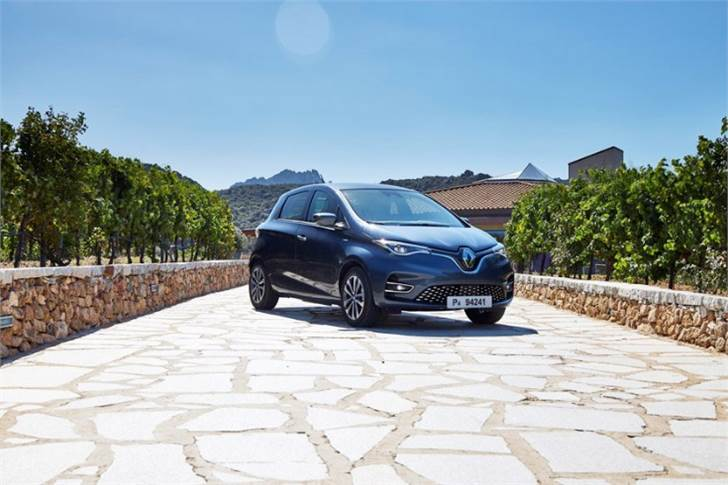Renault says the supply and short loop manufacturing of this recycled carded yarn - without chemical or thermal transformation - reduces associated CO2 emissions by more than 60% compared to the previous Zoe fabric from a standard manufacturing process.