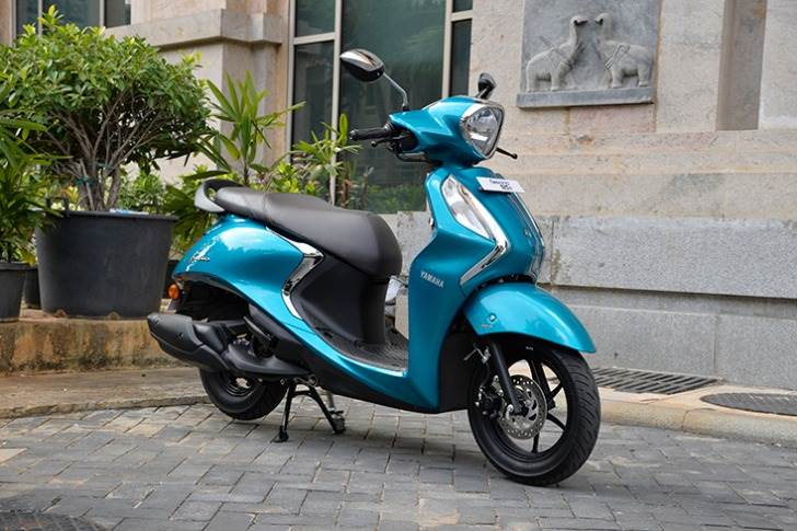 At No. 2 in the frugal and fuel-sipping 125cc scooter stakes is the BS VI  Yamaha Fascino, with 58kpl. It is powered by a new 125cc, fuel-injected, air-cooled 8.2hp engine.