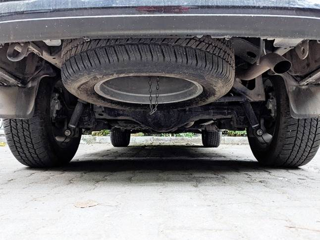Spare tyre mounted underside chassis_ lockable differntial and 4x4 low-range gearbox on offer.
