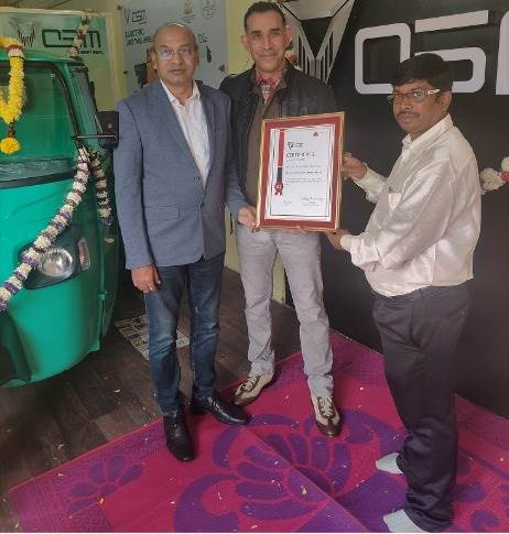 L-R: Dr Deb Mukherji, MD, Omega Seiki Mobility; Uday Narang, chairman, Omega Seiki Mobility and Ala Harikrishna, MD, Green Drive Auto Services Dealership at the launch of new dealership in Bangalore.