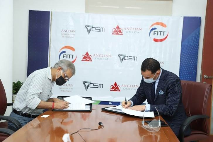 L-R: Anil Wali, Managing Director, FIIT, IIT-Delhi and Uday Narang, Chairman, Omega Seiki Mobility at the MoU signing.