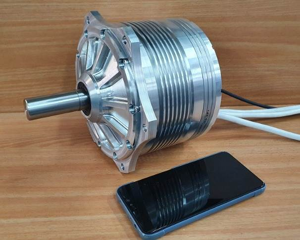 The electric motor is based on a new patented topology christened TSRF (Trapezoidal Stator Radial Flux).