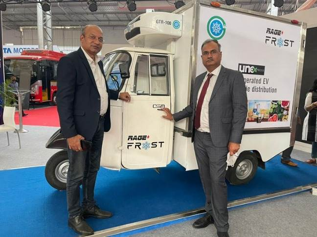 Dr. Deb Mukherji, MD, Omega Seiki Mobility and Shatrughan Kumar, MD, Trans ACNR with the Rage+ Frost at India Auto Show, Mumbai.