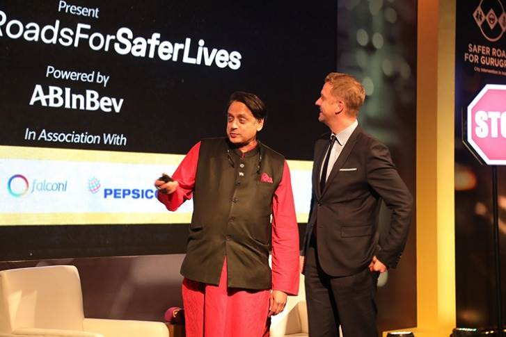Ben Verhaert, President – South Asia, AB InBev and Dr. Shashi Tharoor, Member of Parliament inaugurating e-learning module for 'Youth and Road Safety' developed by Safer Roads For Gurugram in partnership with UNITAR.