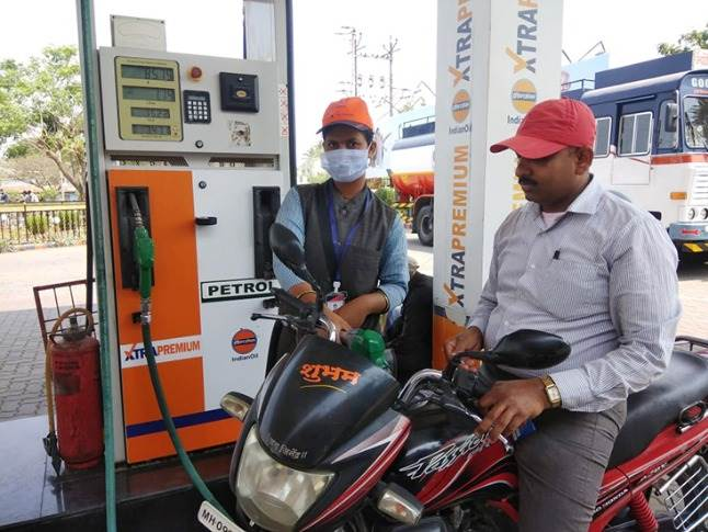 As of March 17, Indian Oil is BS VI-ready, from its refineries through to each of the 27,500 fuel stations across the country. (Image: Indian Oil / Twitter)