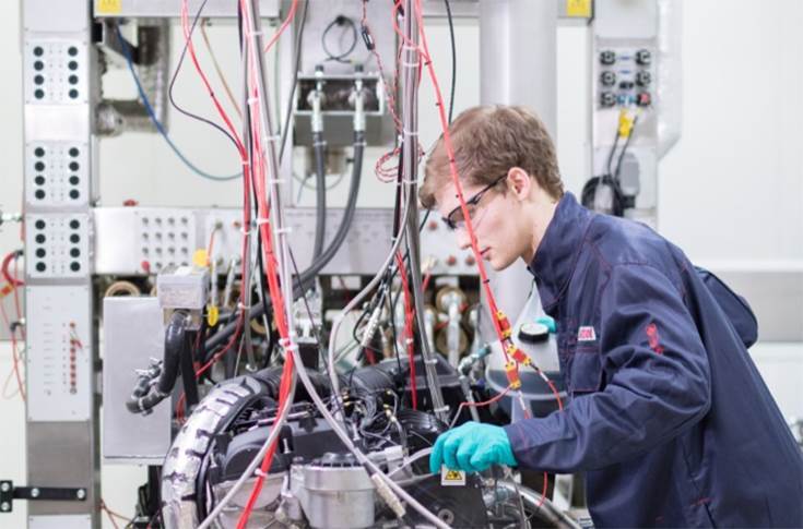 The Nexcel system has been tested on production vehicles, race cars and using the latest engine dynamometers at Castrol's global R&D centre.