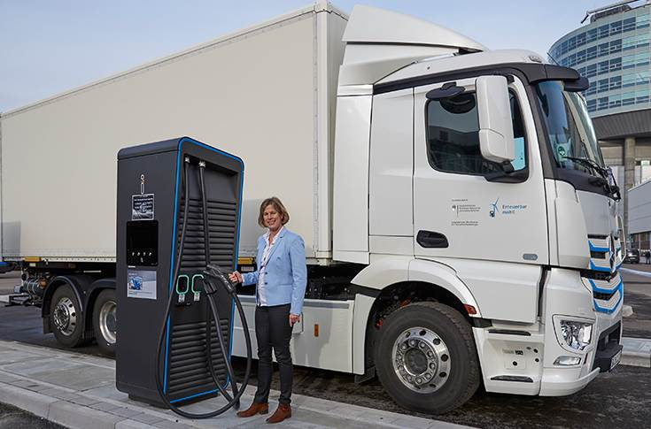 Gesa Reimelt, Head of E-Mobility Group Daimler Trucks & Buses in front of an eActros